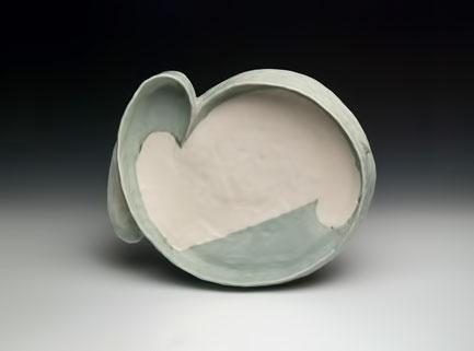 ceramic platter_in geen and white - Emily-Schroeder-Willis-_2013