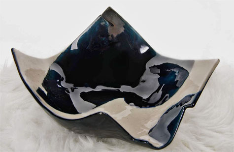 Elnaz-Nourizadeh=--Shadows-of-my-Dream - black and white glazed abstract sculpture