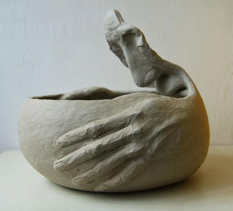 Troskulys-Ricardas-Lukosiunas-Thirst clay sculpture