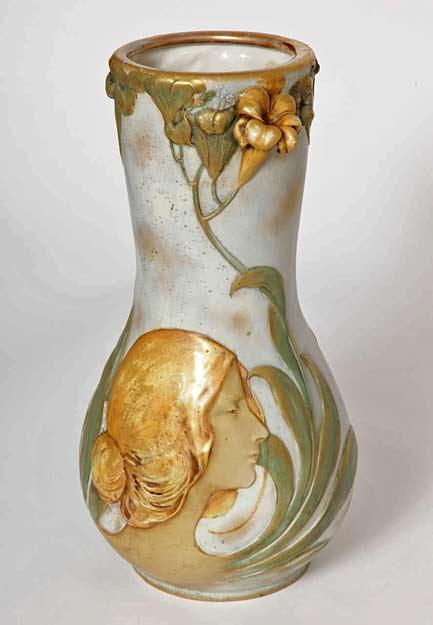 Art-Nouveau-Amphora-Blow-Out-Portrait-Vase,-Austria,-1900