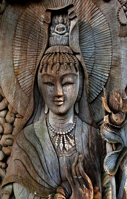 Kuan-Yin-wood-carving---Female-Buddha-of-Compassion