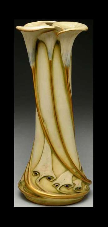 Paul-Dachsel---Calla-Lily-Vase.-Glazed-&-Gilt-Pottery.-Turn-Teplitz,-Austria.-Circa-1906.-14