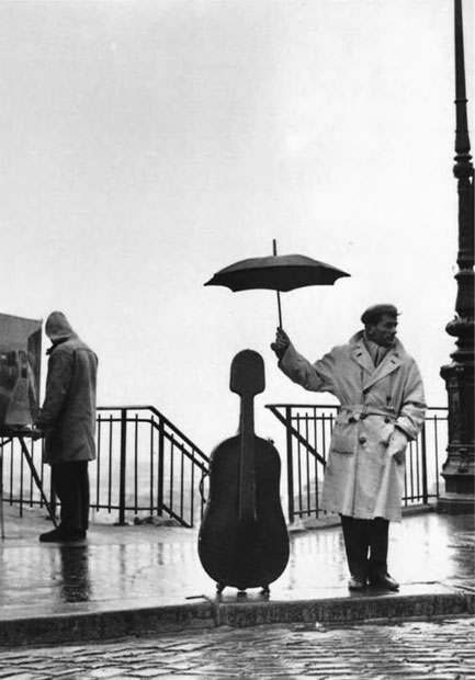 Robert-Doisneau---'The-marvels-of-daily-life-are-exciting;-no-movie-director-can-arrange-the-unexpected-that-you-find-in-the-street'