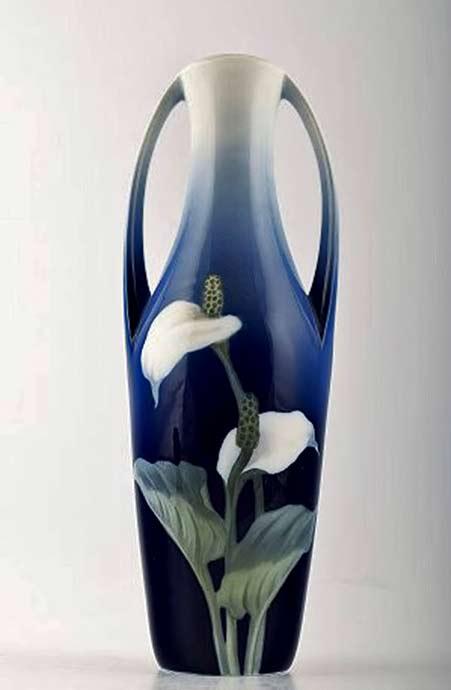 Royal-Copenhagen-Art-Nouveau-Vase,-Decorated-with-lily Flower