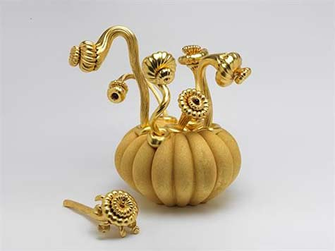 barbara-nanning ceramic pumpkin with golden extensions