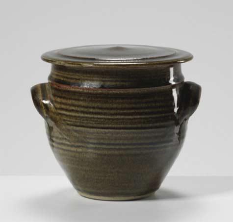 Gwyn-Hanssen-Pigott-Group-of-early-work,-circa-1970---International-Ceramics---Erskine-Hall---Coe