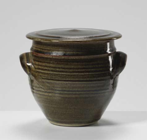 Gwyn-Hanssen-Pigott-Group-of-early-work,-circa-1970---International-Ceramics---Erskine-Hall---Coe