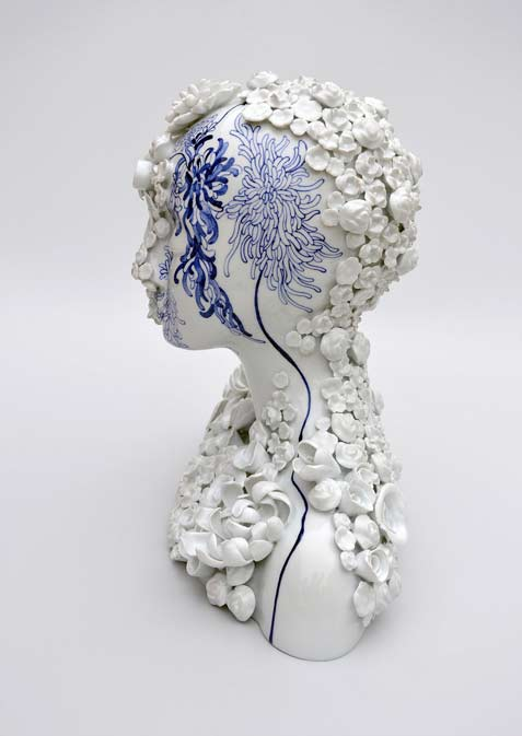juliette-clovis-creates-remarkable-porcelain-female-forms