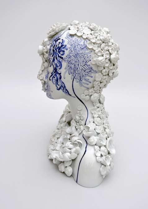 juliette-clovis-creates-remarkable-porcelain-female-forms