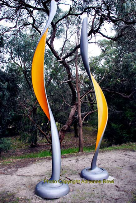 mcclelland-gallery-sculpture-park-twisters-2006-phil-price-new-zealand-b