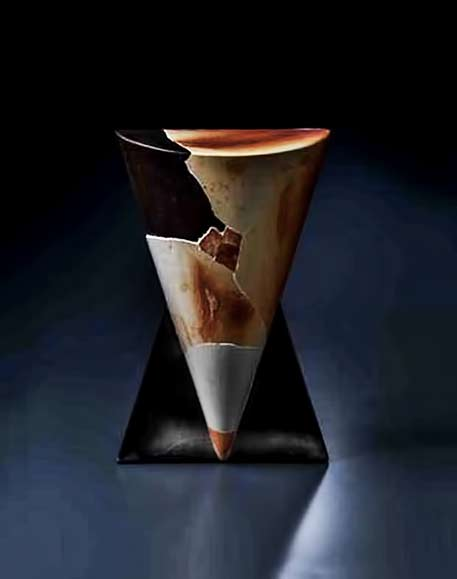 munemi-yorigami conical sculpture