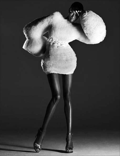 sculptural-fashion-fluffy-white-dress-with-dramatic-silhouette-artistic-fashion-shao-yen-chen
