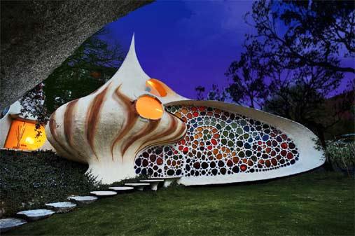 swirly-nautilus-shell-house