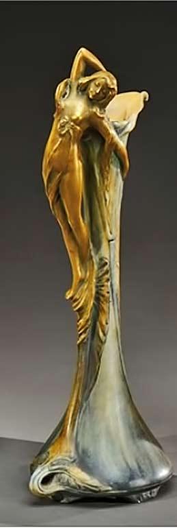 Vase-soliflore-by-Amphora-Werke-Reissner-1900