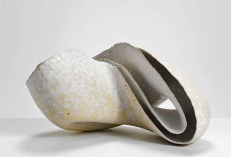Zung-Lung-Tsai-Phototropism,-2014---International-Ceramics---Erskine-Hall---Coe