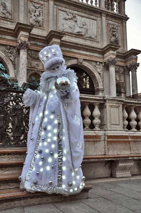 lavender with lights outfit venice-carnival-italy