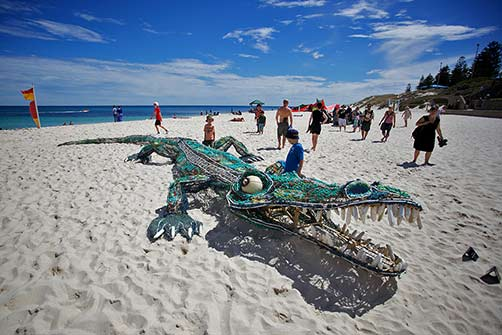 ghostnets-australia-ghost-net-crocodile-sculpture-by-the-sea-cottesloe-2013