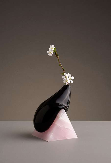 indefinite_vases_studioeq black free form vase with pink triangle base