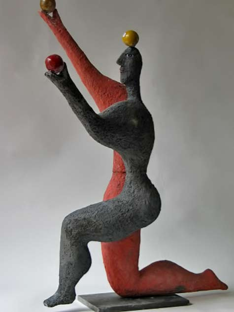 roger-capron-man-balancing-three-balls