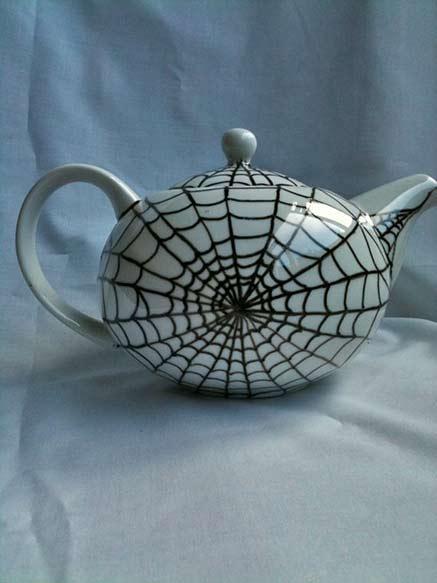 spider-web-teapot