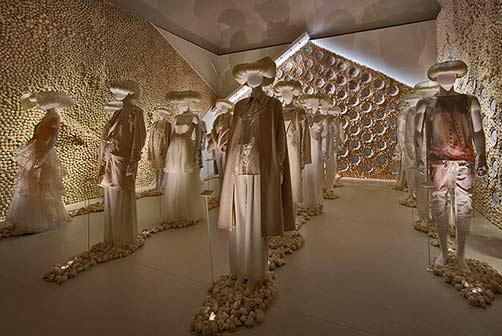 utopian-bodies-installation-view-of-solidarity-gallery