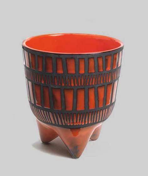 vase-tripode-dit-vase-molaire-par-roger-capron-sur-artnet