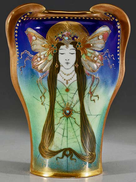 gorgeous-amphora-vase-titled-sovereign-of-the-night--image-courtesy-treadway-toomey