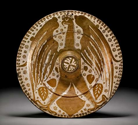magnificent-hispano-moresque-lustre-pottery-dish-featuring-a-spread-eagle-valencia-probably-manises-circa-1435-60-southbys