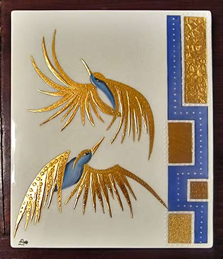 porcelain-plaque-with-birds in blue and gold - Danielle Adjoubel