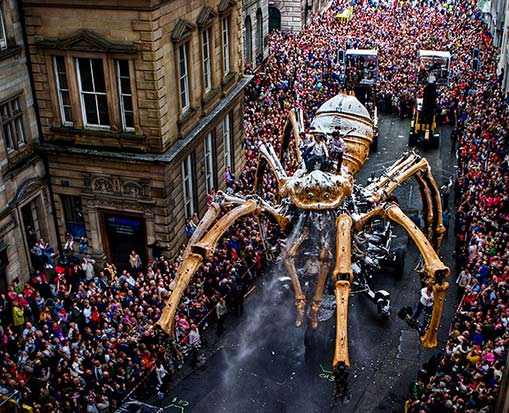 Liverpool street-parade-mechanized-spider