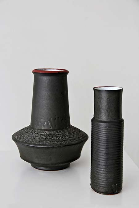 amphora-rogier-vandeweghe-brugge-sint-andries black-metallic-glaze-white-on-the-inside