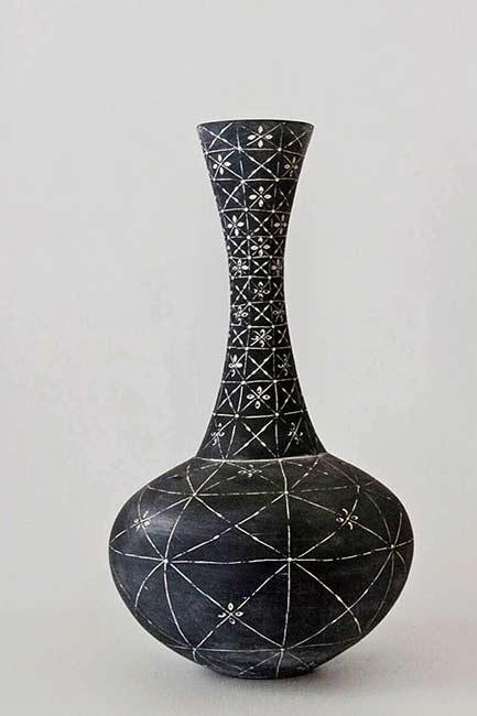 michelle-legg-black and white long neck vase
