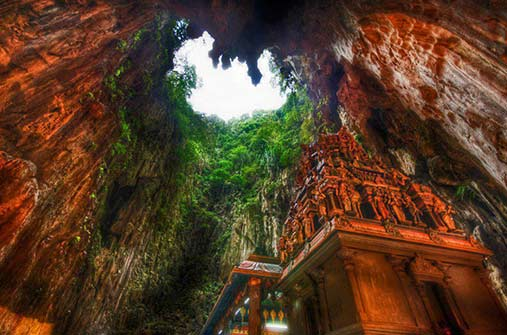 mysterious-temple-deep-in-the-caves-of-borneo-indonesia