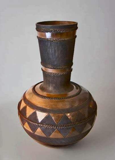 nic-sithole-ceramic-artist-ceramics-southern-africas-ultra-furn-regional-exhibition-2012