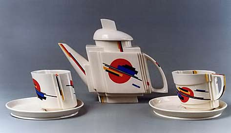 russkii_avangard teaset with suprematist design