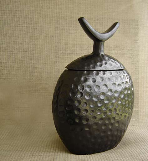 pottery_furniture-pottery-vessel-muya-ethiopia
