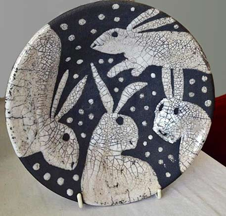 rabbit-plate with crackle glaze by Josse Davies