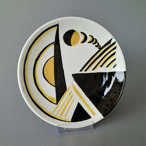 Art Deco style plate in cubist decoration Schaffhauser Keramik 1950's by Kaiser