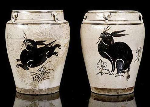 Two Yuan Dynasty stoneware jars