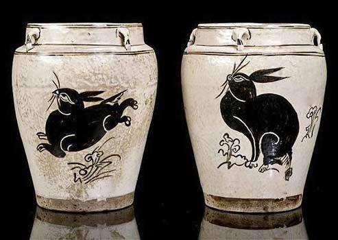 Two Yuan Dynasty stoneware jars