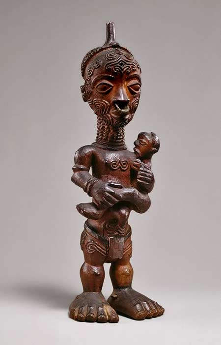Wooden maternity-figure-from-the-Luluwa-people,
