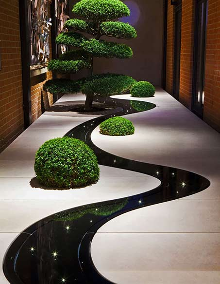 Moon-Garden-at-London's-Connaught-hotel