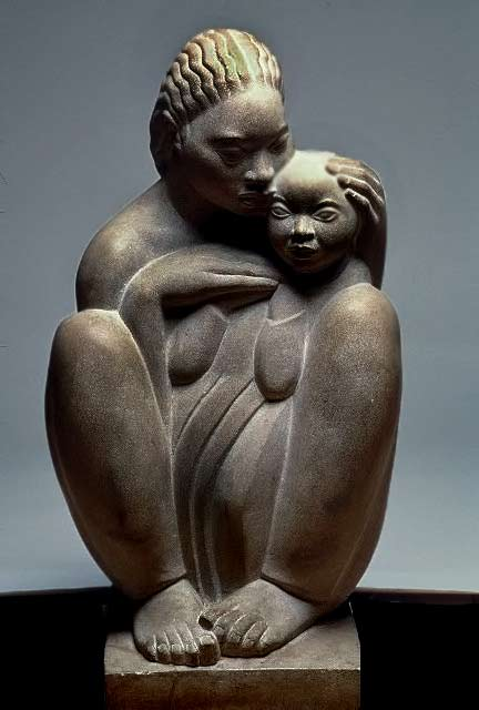William-Ellisworth Artis sculpture of a mother holding a child