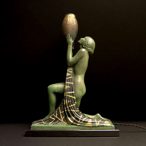 Art-deco-tablelamp-by-Pierre-le-Faguay, Kneeling female sculpture figure