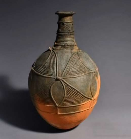 Incised decoration pot by Igbo, Nigeria