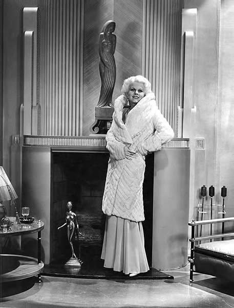 Jean-Harlow-in-'Platinum-Blonde'-1931