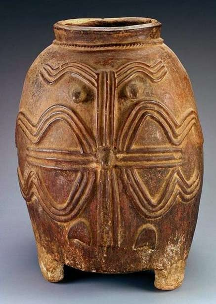 Carved clay Storage-Vessel.-Kurumba-people