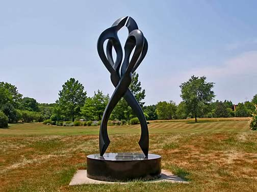 Outdoor sculpture of a dancing cople -- Tango by Larry Young