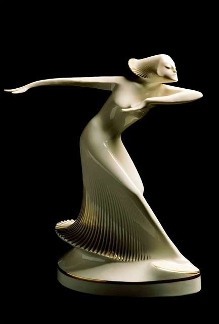 Theo-Vos---Ballerina---c.-1927---white porcelain statue