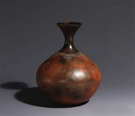 Charming elegant pottery by Tutsi